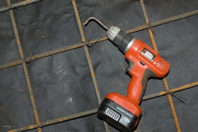 Как вязать арматуру на фундамент